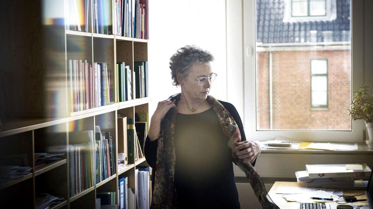 Sabine Kirchmeier / Foto by Sofie Mathiassen / Original source: https://www.berlingske.dk/aok/dansk-sprognaevn-i-krise-efter-krav-om-udflytning-direktoeren-og-mere-end-hver